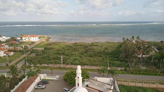 Luxurious sea view apartments to rent at nyali Mombasa Kenya image 1