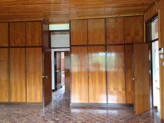 5 bedroom apartment for rent in Nyari image 19