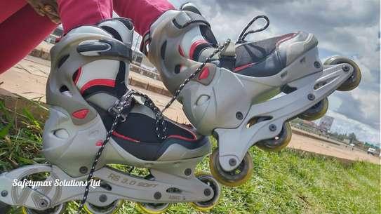 Roller skating shoes image 2