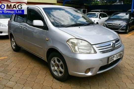 Toyota Raum image 3