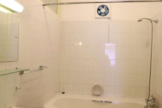 Furnished 2 bedroom house for rent in Gigiri image 9