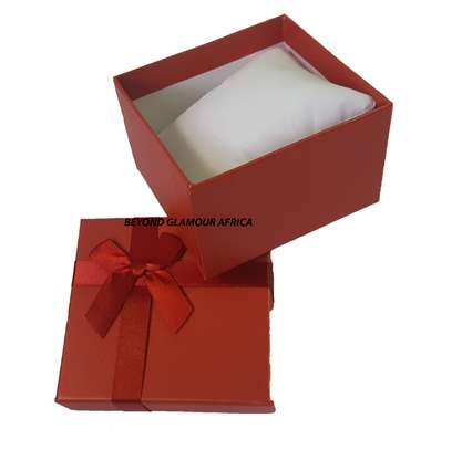 Red Gift Box image 2