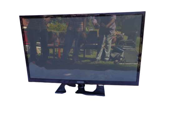 Samsung LED 40 inch television image 1