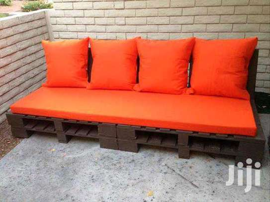 Beautiful Simple Quality 4 Seater Pallet Sofa image 1