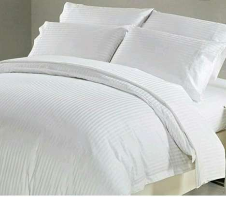 PLAIN WHITE COTTON DUVETS WITH 1 BEDSHEET AND 2 PILLOW CASES image 3