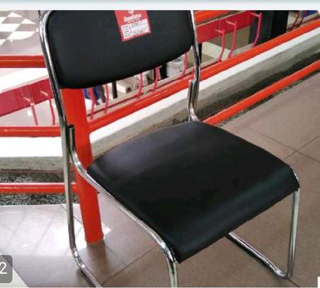 Castor free visitor chair