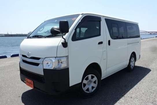 Toyota HiAce image 10