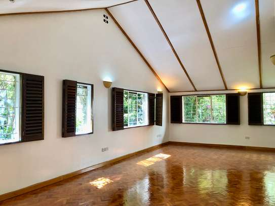 2 bedroom house for rent in Lavington image 3