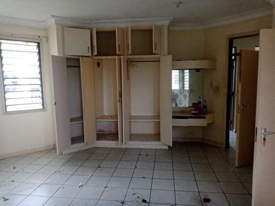 4br house for rent in Nyali Beach Road. image 8