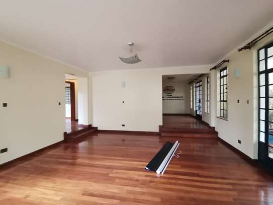 AN OUTSTANDING AND AFFORDABLE THREE STOREY 5 BEDROOM TOWNHOUSE image 8