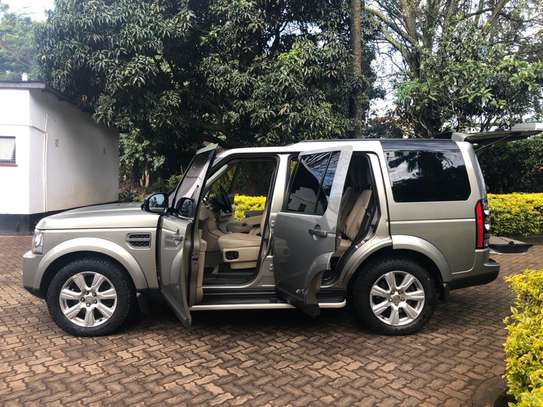 Landrover Discovery IV image 9
