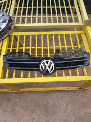 Black VW Golf MK5 Top Grill image 1