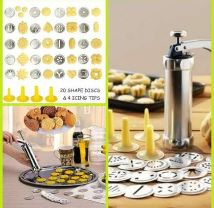 Cookie Press Biscuit Maker with 20 Stainless Steel Disc Shapes with 4 Piping Tip, Comfort Grip Cake Decorator Gun Kit image 1