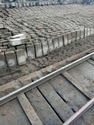 Machine Cut Stones (MAHIGA). image 1