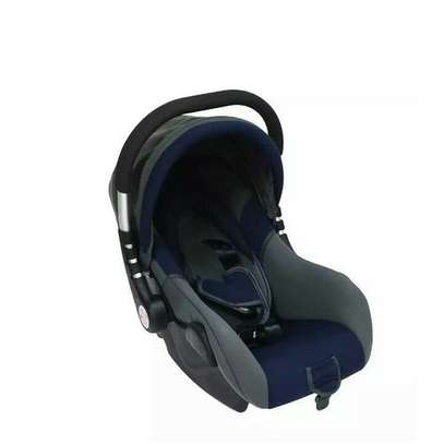 Superior Infant Baby Car Seat/ Carry Cot - Grey& Black