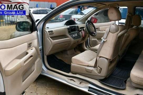 Toyota Raum image 9