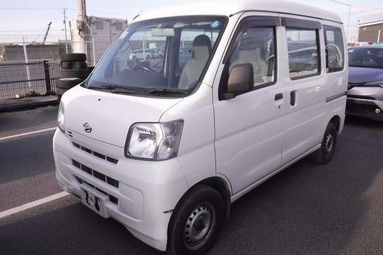 Daihatsu Hijet image 2
