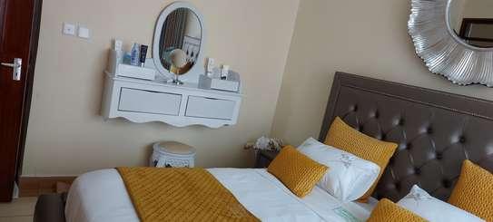 Elegantly furnished 3 bedroom Apartment in Riruta image 4