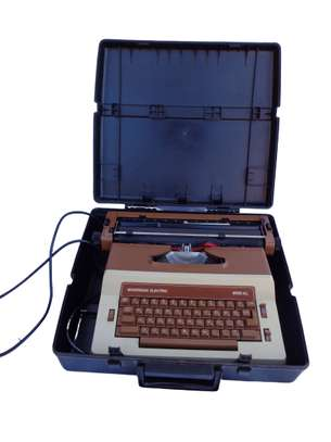 Sovereign Electric 9700 XL Portable Electric Typewriter