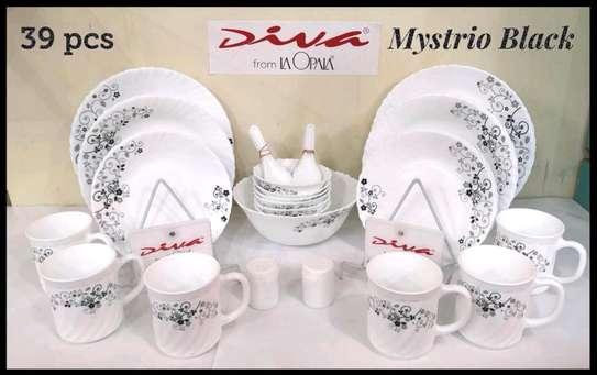 White diva dinner set image 1
