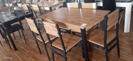6 seater Wooden dinning table