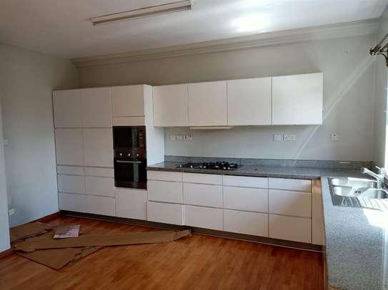 Riverside - Flat & Apartment image 2