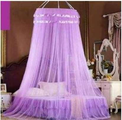 Round mosquito nets image 1