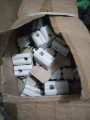 Porcelain Electric fence insulators