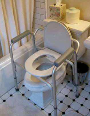 Commode chair. image 2