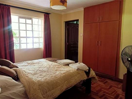 2 bedroom house for rent in Rosslyn image 7