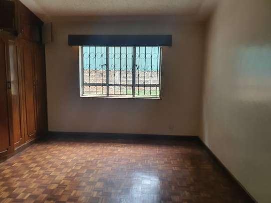 5 bedroom townhouse for rent in Westlands Area image 30