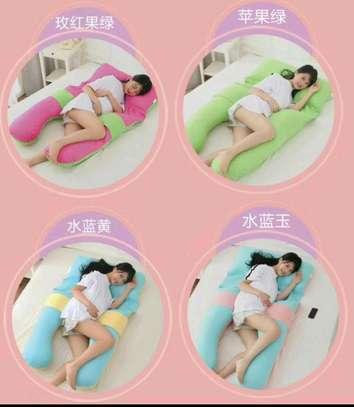 Maternity pillow image 1