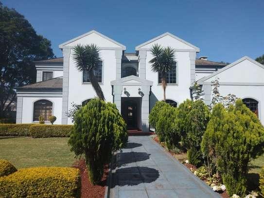 Runda - House image 17