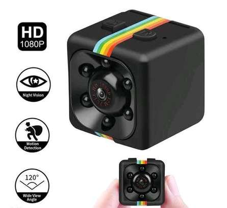SQ11 mini 1080p nanny camera image 1