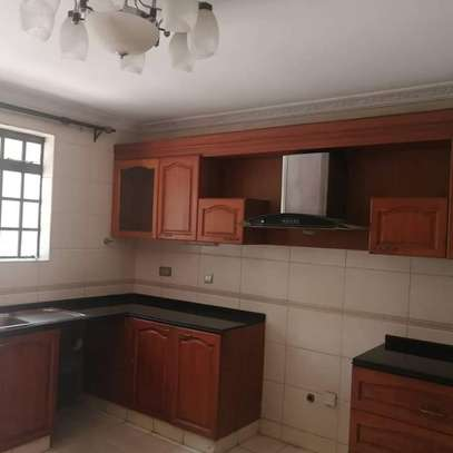Magnificent townhouse to let in Lavington. It's a 6 bedroom all ensuite image 2