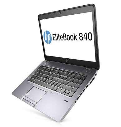 HP elitebook 840 g2 image 2
