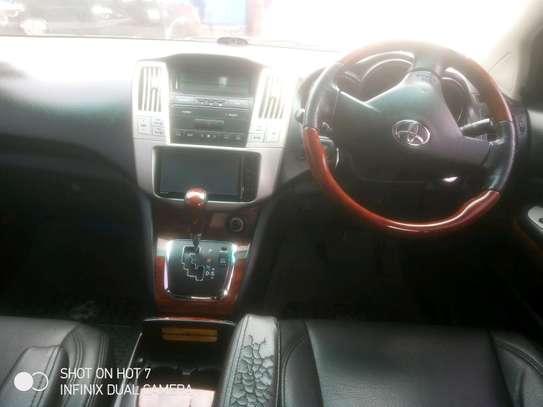 Toyota.harrier image 5