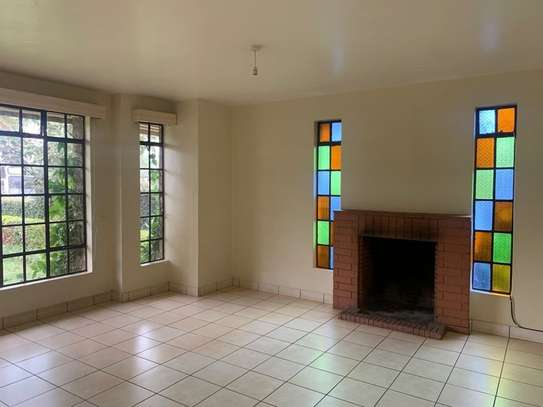 4 bedroom townhouse for rent in Mountain View image 7