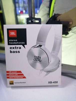 JBL wired headphones image 1