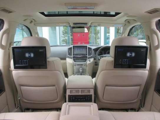Toyota Land Cruiser ZX V8 2018 18.5M image 7