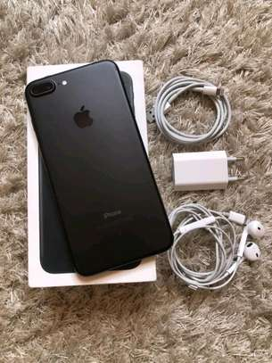 Apple Iphone 7 Plus : 256 Gigabytes Black image 1