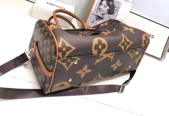 Louis Vuitton Leather daffle bags @3800ksh image 1