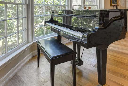 Piano Moving Professionals.Vetted & Trusted. Get Free Quote image 1