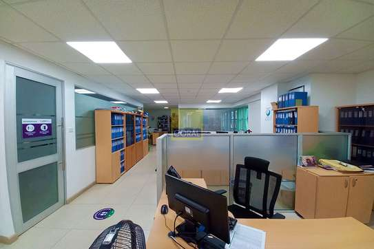 7200 ft² office for rent in Kilimani image 9