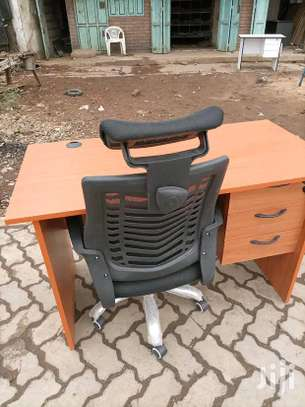An Office desk plus a quality high back office chair 78H image 1