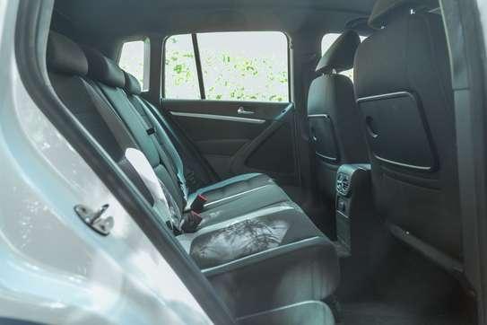 Volkswagen Tiguan image 12