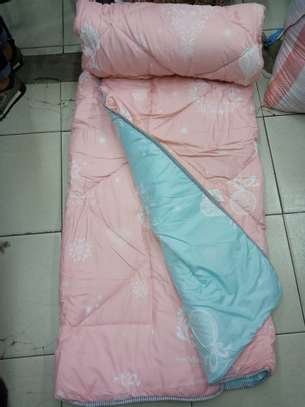 Binded quality Duvets image 14