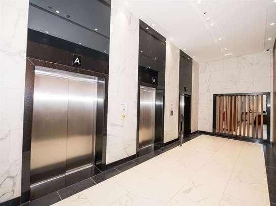 1010 ft² office for rent in Parklands image 4
