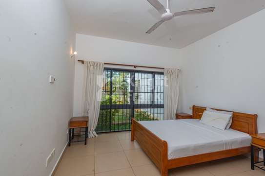 Furnished 3 bedroom apartment for sale in Bamburi image 6