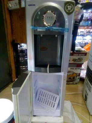Hot and Cold water dispenser image 4